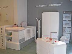 Comercial Mediterraneo - Palma de Mallorca (Illes Balears), situada en la CAlle Ausias March,3, dispone de gran exposición de mobiliario infantil de Alondra.