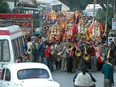 Photos of Dussehra Festival in India: Kullu Dussehra Streets