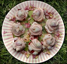 Marie-Antoinette's Secrets by mimithorisson: Dainty treats made of mini meringue sandwiches filled with hipped rose cream and sliced strawberries!