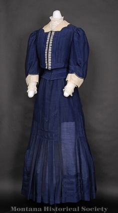 1906 wedding dress worn by Hulda Weppler for her marriage to Charles Schmidt on May 30, 1906.