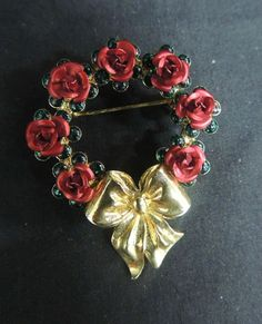 Vintage Brooch Pin Gold Tone Wreath Circle Flower Avon Roses Red Green Christmas