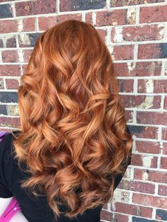 Copper hair, fall hair, gingers, redheads Best Picture For auburn hair styles medium For Your Taste Short Red Hair, Long Curly Hair, Curly Hair Styles, Fall Hair Colors, Red Hair Color, Copper Hair Colors, Fall Red Hair, Ombre Color, Copper Blonde