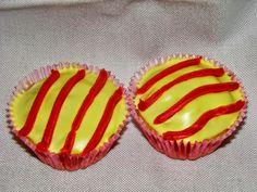 MIS RECETAS RÁPIDAS Y SORPRENDENTES (Recetasdebelen): MAGDALENAS O CUPCAKES DE SANT JORDI (SUGERENCIA 1)... Cake Pops, Cupcakes, Sugar, Cookies, Desserts, Fast Recipes, Pastries, Sweets, Fairy Cakes