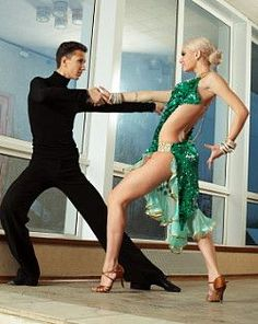 OMG How I wish I could dance ballroom!  Because - look at her!!!!