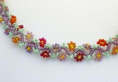 6 Daisy Flower Projects for All Beading Skill Levels: Zig Zag Vine with Daisies Project