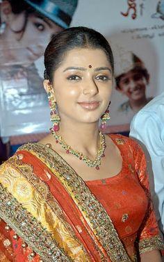 cool Actress Bhumika Chawla Divorce Reason | Indian Cinema Diary http://www.ocshare.com/actress-bhumika-chawla-divorce-reason-indian-cinema-diary.html