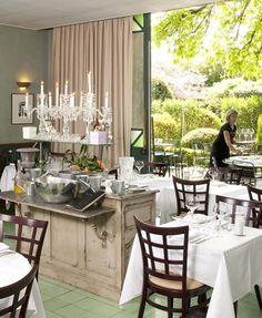 Restaurant Le Jardin du Quais - L'Isle sur la Sorgue Fantastic restaurant with lovely garden!