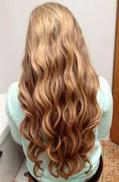 Sexy Long Hair Tips! http://longhairtips.org/ Curly, long and sexy