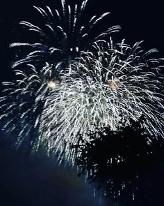 #Fireworks #Cologne #CGN #Köln #KölnerLichter #Feuerwerk...