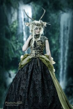 pagan woodland wedding dress for a grimm and fairy girl antler headdress, wild aristocratic look Headdress, Headpiece, Cosplay, Mode Costume, Nymph Costume, Elf Costume, Fairy Queen, Woodland Fairy, Midsummer Nights Dream