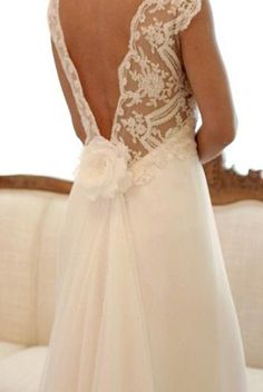 Beautiful dress back. Wanda Borges.