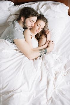 Couple sleeping hugging on pillow by Alberto Bogo for Stocksy United - Mann & Frau - Romantic Couples In Bed, Cute Couples Cuddling, Romantic Couples Photography, Couple Photography Poses, Couples In Love, Romantic Photos, Cute Couple Sleeping, Couples Sleeping Together, Photography Poses