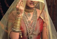 Bhindi Jewellers - Manufacturer of Gold Jewellery & Designer Gold Necklace Set from Junagadh