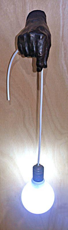 Lámpara mágica. Diseño y fundición Bronzo. Tenerife.