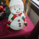 DIY - Φτιάξτο μόνος σου • Χιονάνθρωπος από καλτσα...: Τον έφτιαξε η χρυσοχέρα μαμά μου μαζί με την κόρη μου . Μια αθλητική άσπρη κάλτσα,…