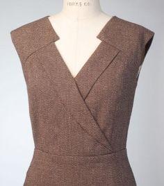 Anne Klein dress for Vogue Patterns. Fashion details of clothes. Neckline Designs, Kurti Neck Designs, Dress Neck Designs, Blouse Designs, Vogue Patterns, Dress Patterns, Sewing Patterns, Fashion Details, Fashion Design