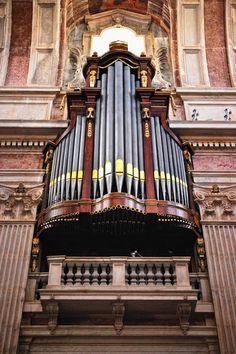 Mafra Convent - beautiful church organ!