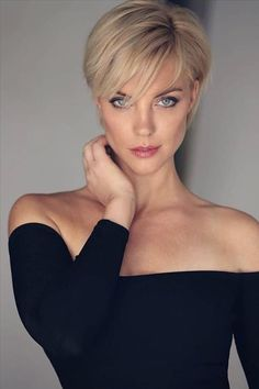 Stylish Short Haircuts, Short Hairstyles For Thick Hair, Haircuts For Fine Hair, Short Pixie Haircuts, Short Hair Cuts For Women, Hairstyles Haircuts, Short Textured Haircuts, Haircuts For Women, Very Short Pixie Cuts