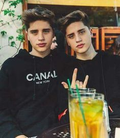 They are like my favorite people ever I wish I could meet them so bad 🤤❤❤❤❤❤😍😚