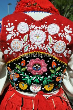 Viana do Castelo traditional embroidery