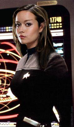 Summer Glau is a big Trekker. She loves Star Trek TNG. Star Trek Starships, Star Trek Enterprise, Star Trek Voyager, Film Science Fiction, Star Trek Crew, Star Trek Cosplay, Star Trek Images, Star Trek Characters, Ju Jitsu