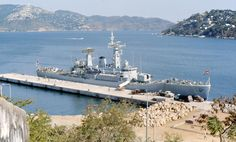 HMS Jupiter at Acapulco, 1974 Royal Navy Frigates, Royal Marines, Navy Ships, War Machine, Water Crafts, Battleship, Park City, British, World