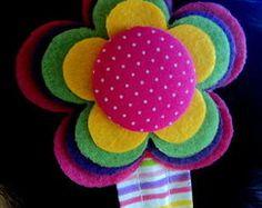 Felt Flowers Patterns, Felt Patterns, Fabric Flowers, Diy Hair Bows, Diy Bow, Bow Hair Clips, Applique Fabric, Felt Fabric, Pom Pom Crafts