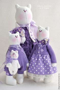 Cat Family - Don't Let The World Of Cats Confuse You. Read This Expert Advice Today! Baby Toys, Kids Toys, Baby Friends, Fabric Animals, Cat Doll, Cat Crafts, Sewing Toys, Cat Lover Gifts, Fabric Dolls