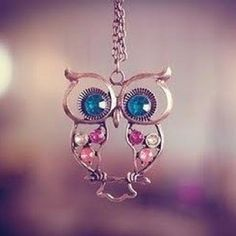 Love it, love simple jewelry. Gaudy jewelry just isn't for me. :)