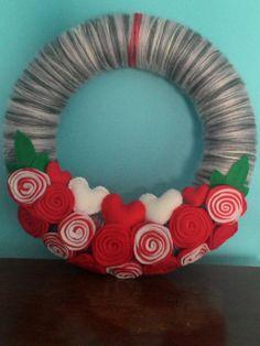 Yarn wreath. Love's wreath. Hearts wreath. Door by MoCactus