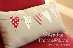 Pretty Pillow Tutorial (Valentines or any time) Little Valentine, Valentine Day Love, Valentine Day Crafts, Valentine Pillow, Valentine Ideas, Valentine Theme, Sewing Pillows, Diy Pillows, Throw Pillows