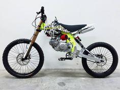 Motorized Mountain Bike, Motorized Bicycle, Pit Bike, Small Motorcycles, Custom Motorcycles, Custom Moped, Custom Bikes, Sidecar, Tracker Motorcycle
