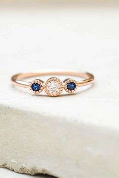 24 Stunningly Delicate Engagement Rings That Are Too Good To Be True - Reverie #fineringsjewelry