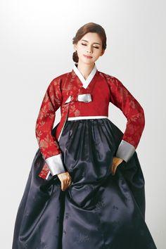 Korean Hanbok, Korean Dress, Korean Outfits, Korean Traditional Clothes, Traditional Dresses, Korean Wedding, Beautiful Asian Women, Korean Women, Historical Clothing