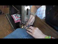 Video: vychytávka s odstřižkem látky na začátku a na konci šití. Šetří nitě i nervy na začátku není třeba přidržovat nitě, která se rády zamotají. Textiles, Victoria, The Originals, Sewing, Scrappy Quilts, Technology, Dressmaking, Couture, Stitching