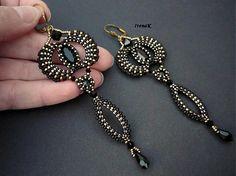 The cobras dance - beaded earrings