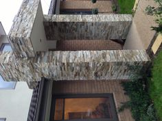 Using natural ‎#stone ‎#cladding is non-fading and long lasting, which is why it is used on feature walls on so many new homes. It also has a ‎#natural aesthetic appeal which helps give buyers a positive first impression.