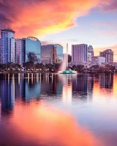 Whether you're looking for a relaxing beach getaway or a lively vacation in one of the bustling cities or theme parks, you can find it all in the best places to visit in Florida. #floridatravel | best places to go in Florida | best Florida travel destinations | best florida vacations | best places in florida | best florida trips | best places to travel florida | the best places to travel to in florida | best travel spots in florida