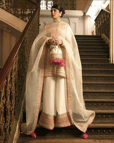 Pakistani Formal Dresses, Pakistani Fashion Party Wear, Indian Party Wear, Pakistani Dress Design, Pakistani Outfits, Indian Dresses, Indian Fashion, Indian Wear, Designer Party Wear Dresses