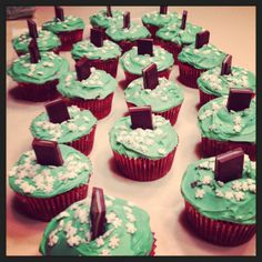 Holiday mint chocolate cupcakes