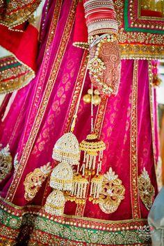 Beautiful bridal wear collection of chudas, bangles, maangtikas, mangalsutras, diamond jewellery, rings, necklaces, lehengas & more.