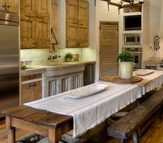 Decorating The Rustic Kitchen French Kitchen - I want to have a wine party here - bottles of wine - cheese - friends - the perfect place for a get together. French Kitchen, Rustic Kitchen, Country Kitchen, New Kitchen, Kitchen Decor, Küchen Design, Interior Design, Cocinas Kitchen, Farmhouse Table