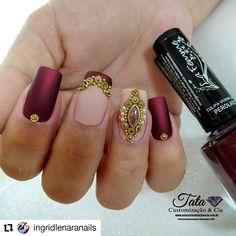 #Repost @ingridlenaranails • • • 💎www.tatacustomizaçãoecia.com.br💎 Pedrarias da melhor qualidade e Esmaltes La Femme vc encontra no site…