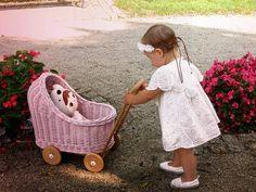 Wiklibox wicker & beech wood doll's stroller in ECRU (creamy) color. Free Birthday Card, 1st Birthday Gifts, Wooden Wheel, Dolls Prams, Wooden Dolls, Wicker, Baby Strollers, Cute, Handmade