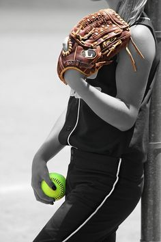 Tiffany Brooks became the first female pitcher and second woman in the 21st century to sign with a men's ball club and many r on USA National Women's Baseball Team!