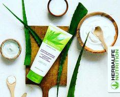 Yaz aylarında cildinin daha fazla neme ihtiyacı vardır. Herbal Aloe Bakım Serisi ürünleri ile kendine gereken özeni göster. www.idealbeslen.com 0536 612 9009 whatsapp #cilt #cild #nem #su #pürüzsüz #bakım #bakımürünleri #özen #yaz #güneş #kuru #hava #sahil #tatil #deniz #kum #yıpranmış #ciltbakımı #aloe #herbalaloe Herbalife Aloe, Nutrition Herbalife, Fitness Nutrition, Herbalife Products, Herbalife Motivation, Lotion, Herbalism, Healthy Lifestyle, Food And Drink