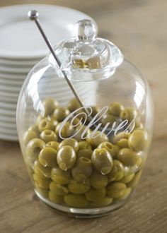 Glass Olives Jar Olives are a delicacy for your guests, so it's nice to be able to serve them in style. This splendid glass jar will certainly help you do that. Dimensions (in cm): 18 ( ) Article number: 117450 Price: € 22,95
