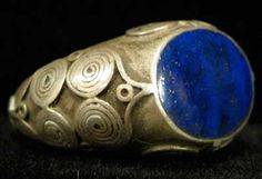 Ottoman Silver Ring Featuring a Lapis Lazuli Stone, circa 18th-19th century
