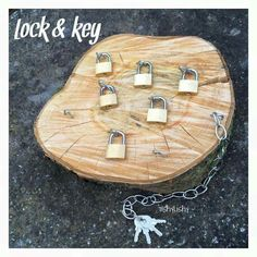 Teaching how to unlock is always a nice idea to refine motor skills and to improve children's concentration. Using wood makes it even more beautiful 💕 Montessori Activities, Motor Activities, Preschool Activities, Montessori Education, Reggio Classroom, Outdoor Classroom, Play Based Learning, Early Learning, Montessori Practical Life
