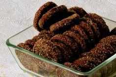 Chocolate cookies with brown sugar Brown Sugar Cookies, Chocolate Cookies, Greek Sweets, Sweet Corner, Sweet Pie, Cake Cookies, Chocolates, Caramel, Biscuits